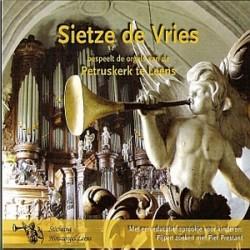 Sietze de Vries bespeelt...